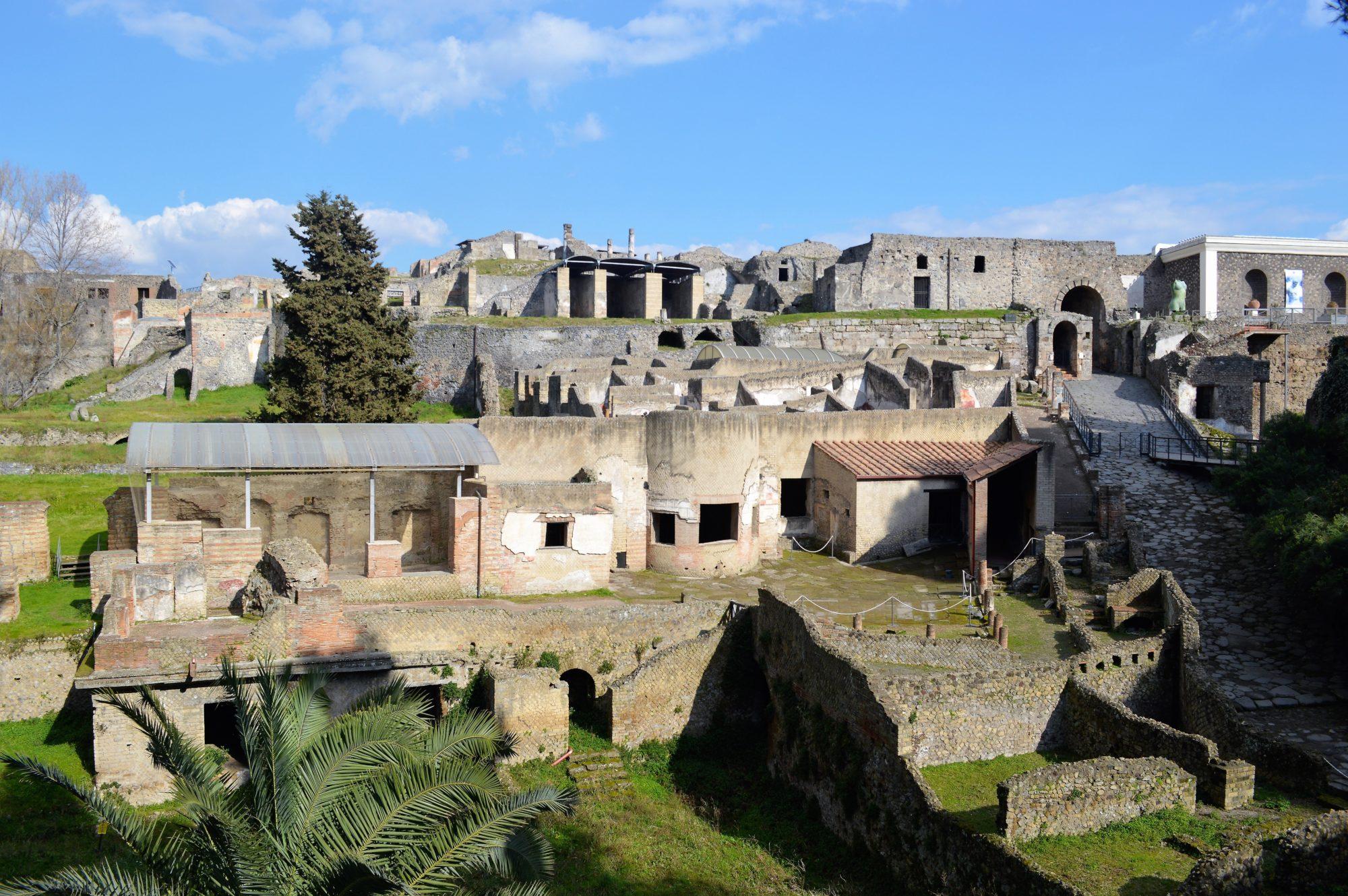 pompeii-entrance