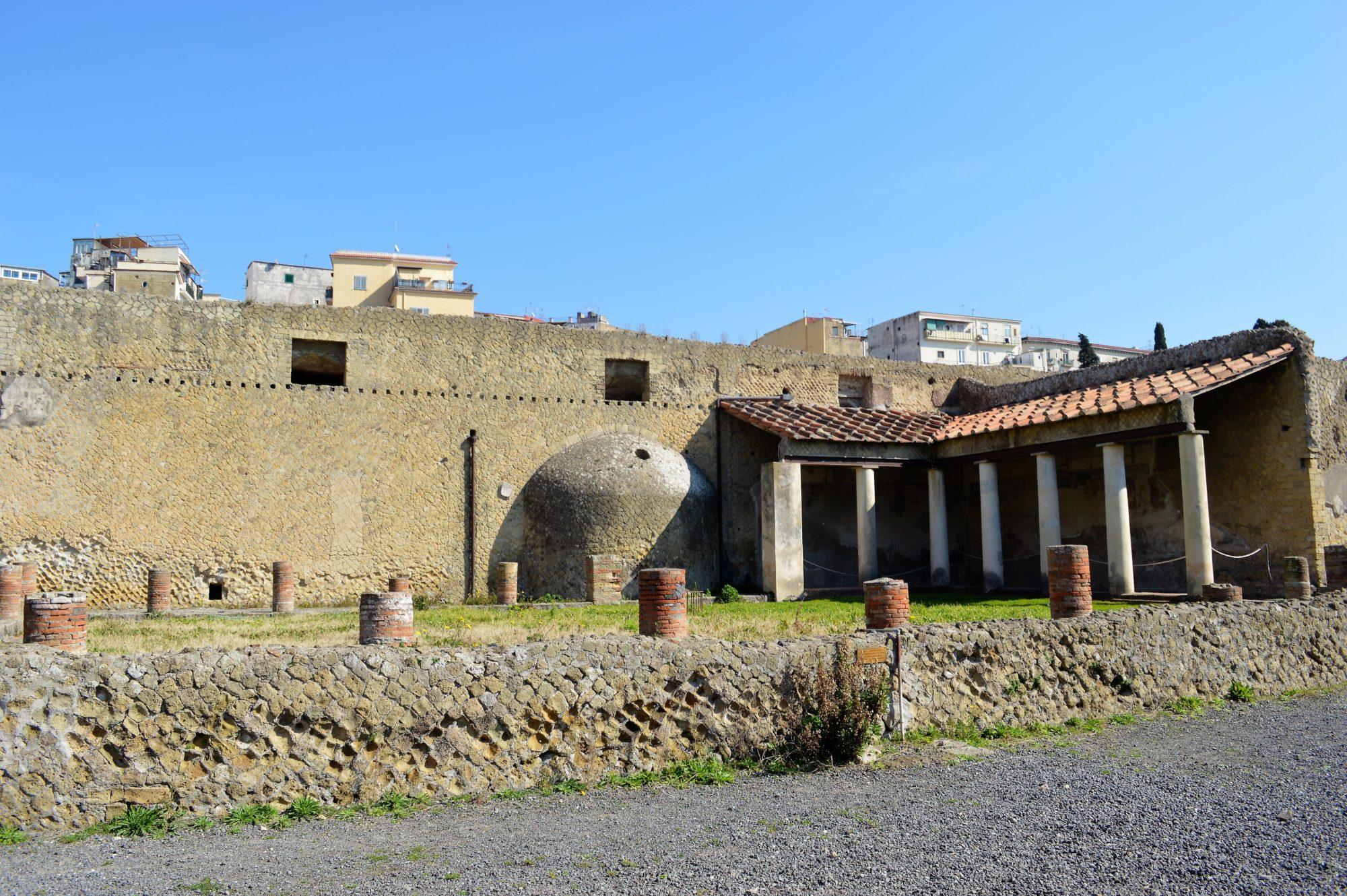 herculaneum-temple