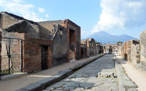 pompeii-street-volcano-vesuvio-vesuve-vesuvius
