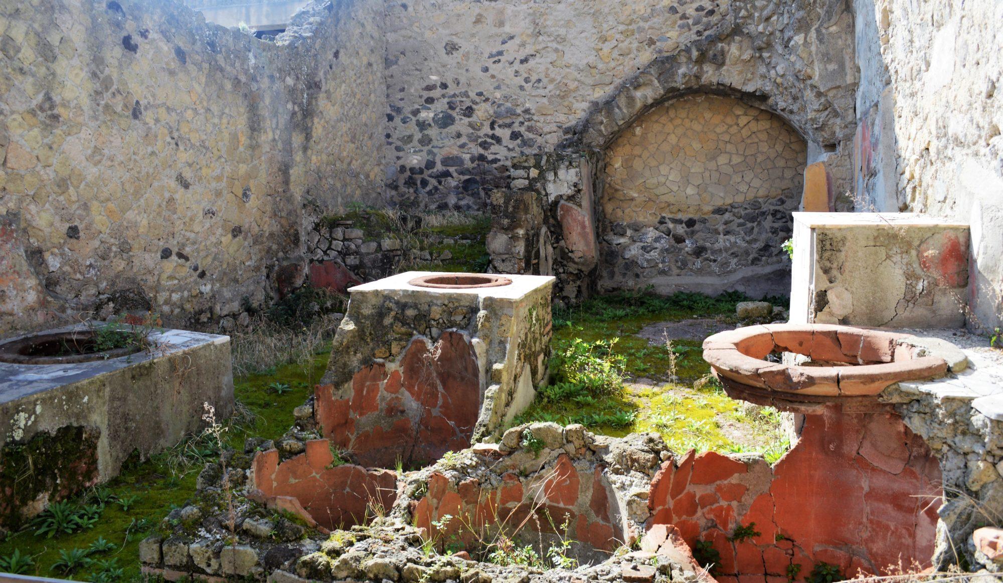herculaneum-tavern