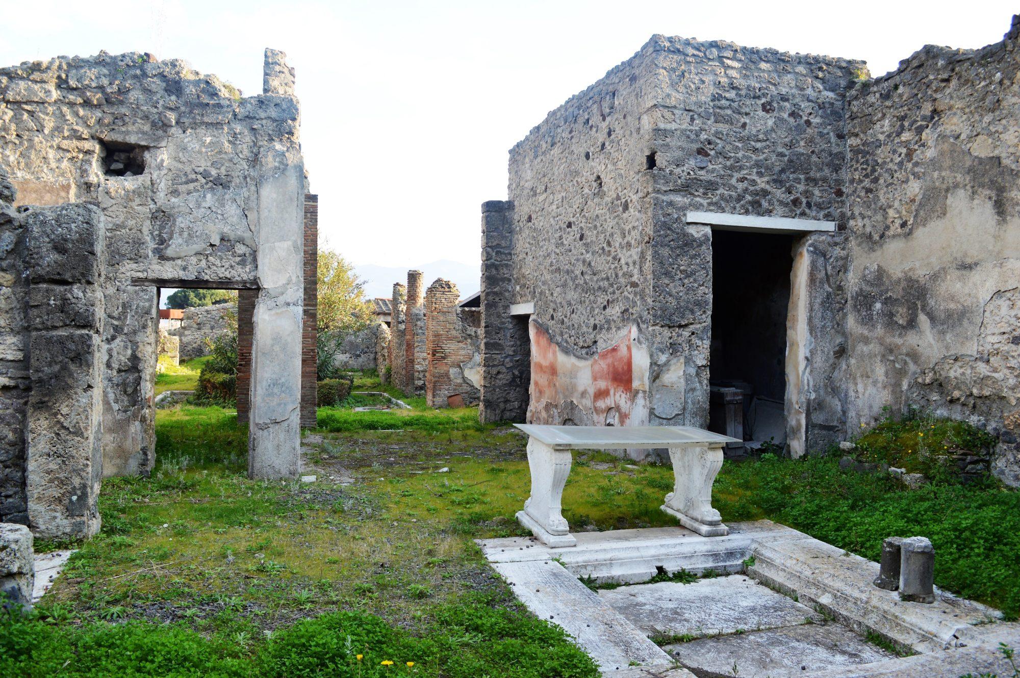 pompeii-garden