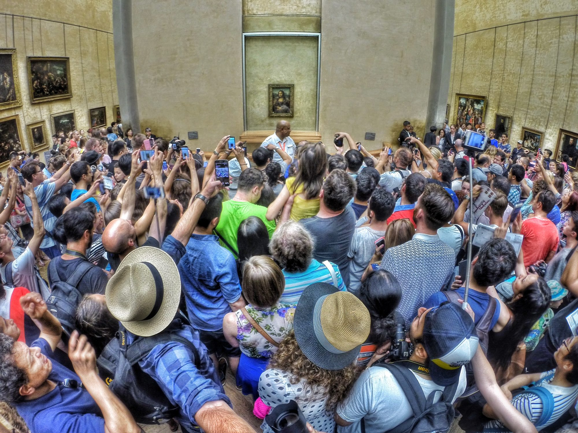 mona-lisa-crowd