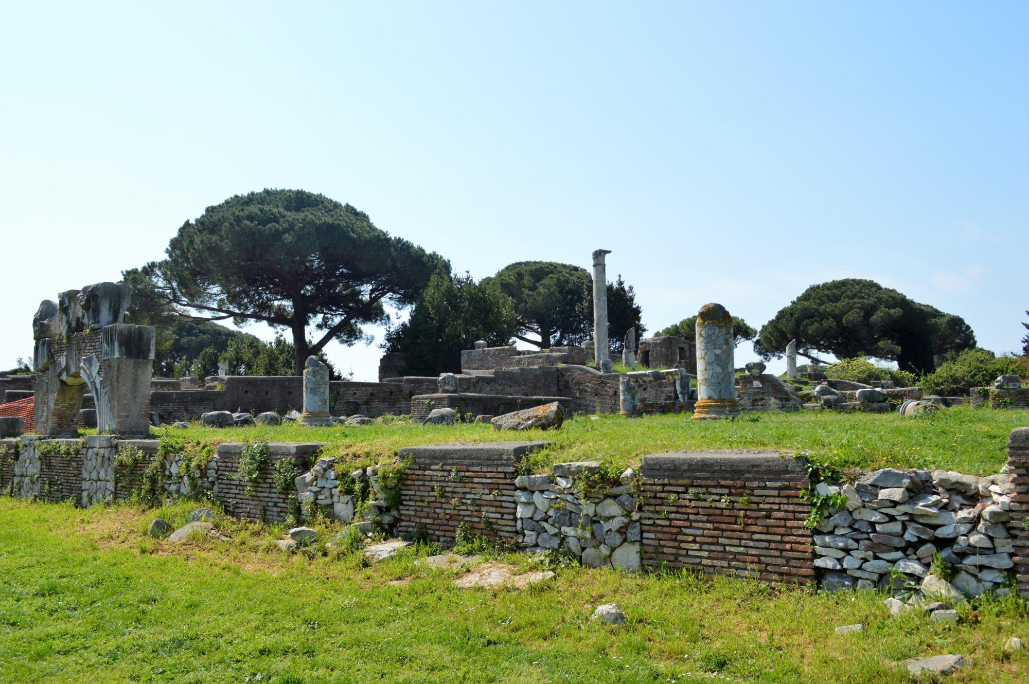 forum-ostia-basilica