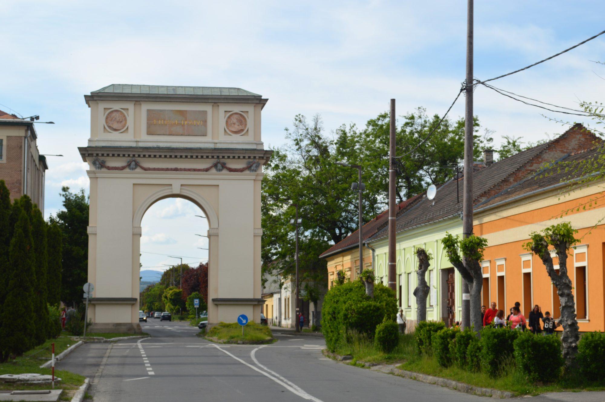 vac-triomphal-arch