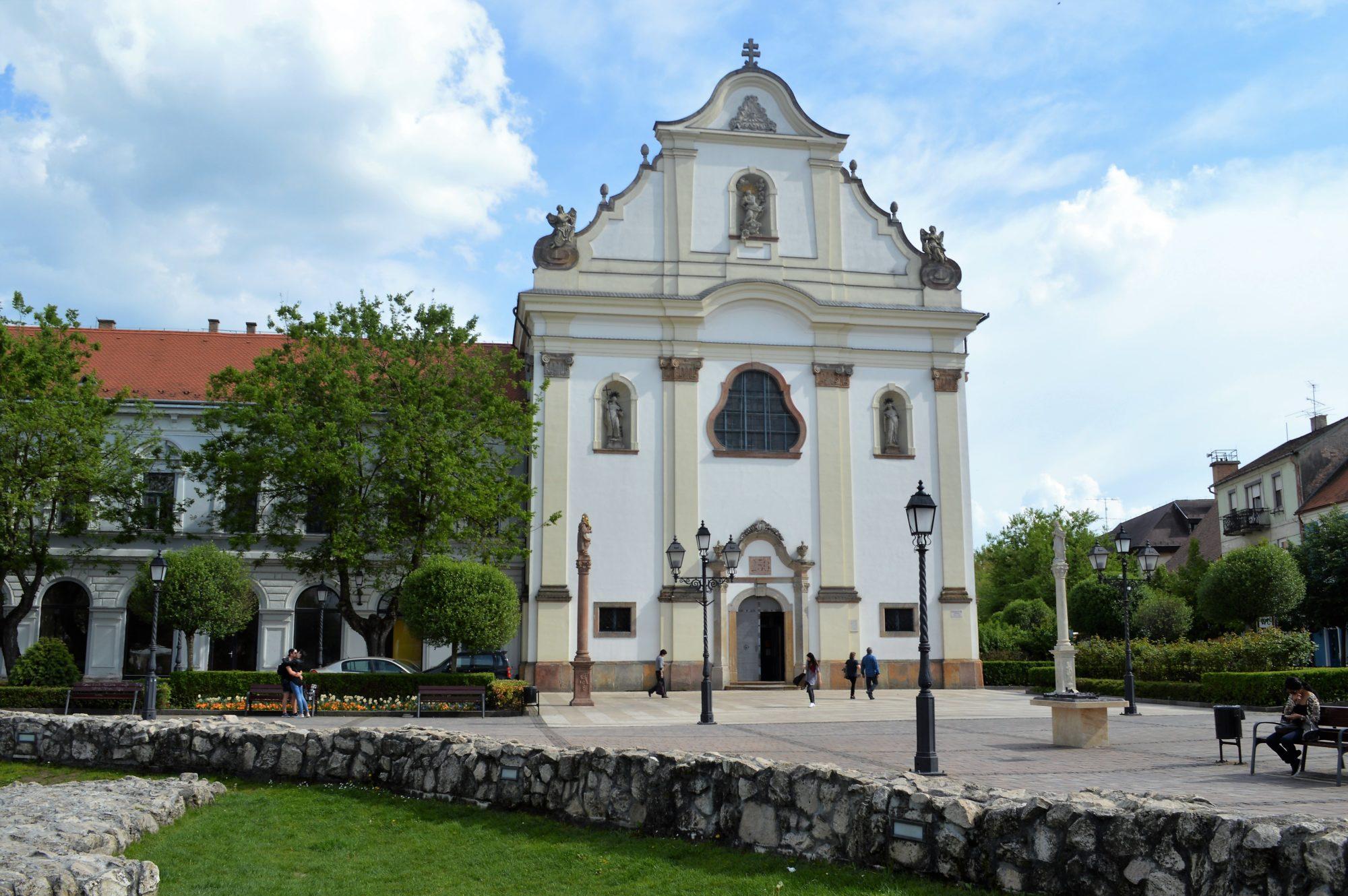 vac-white-church