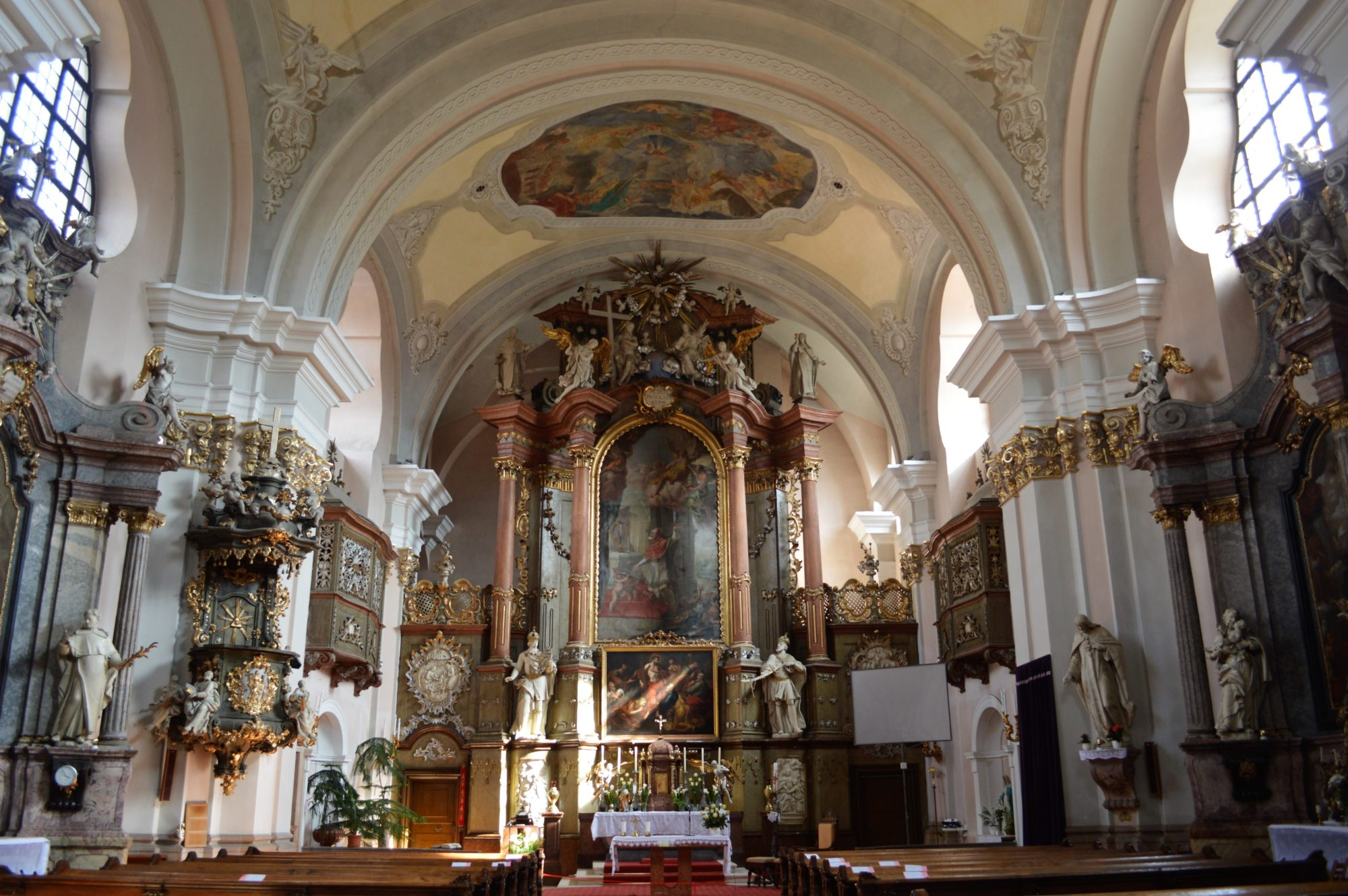vac-white-church-inside
