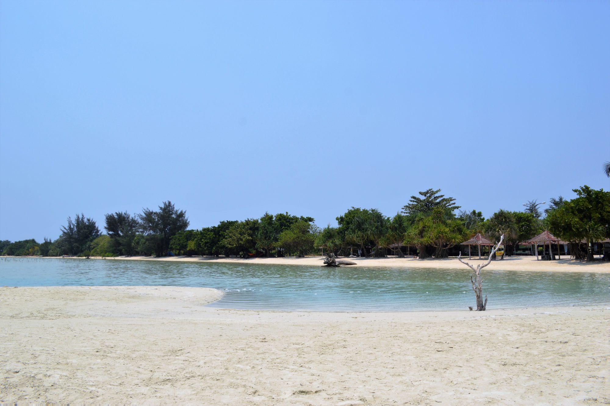 pulau-pari-pantai-pasir-perawan-2