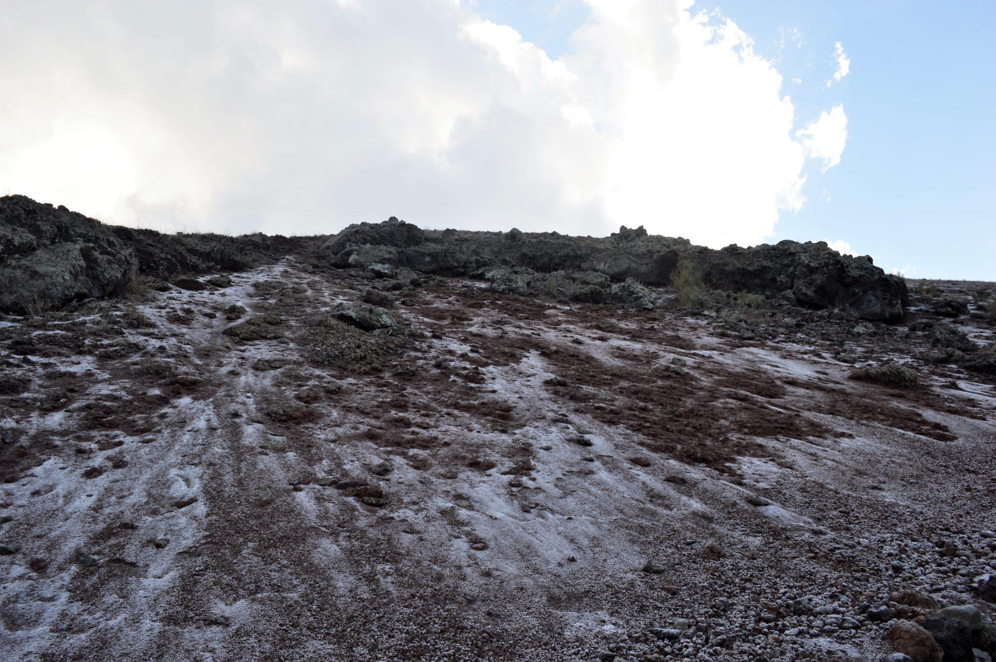 vesuvius-crater-lava