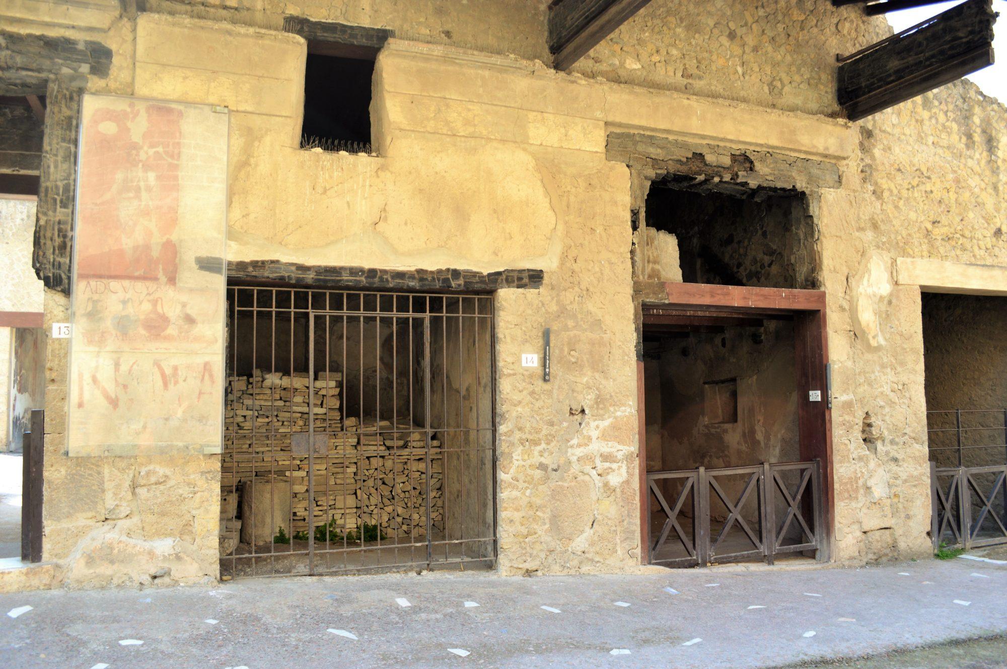 herculaneum-shops