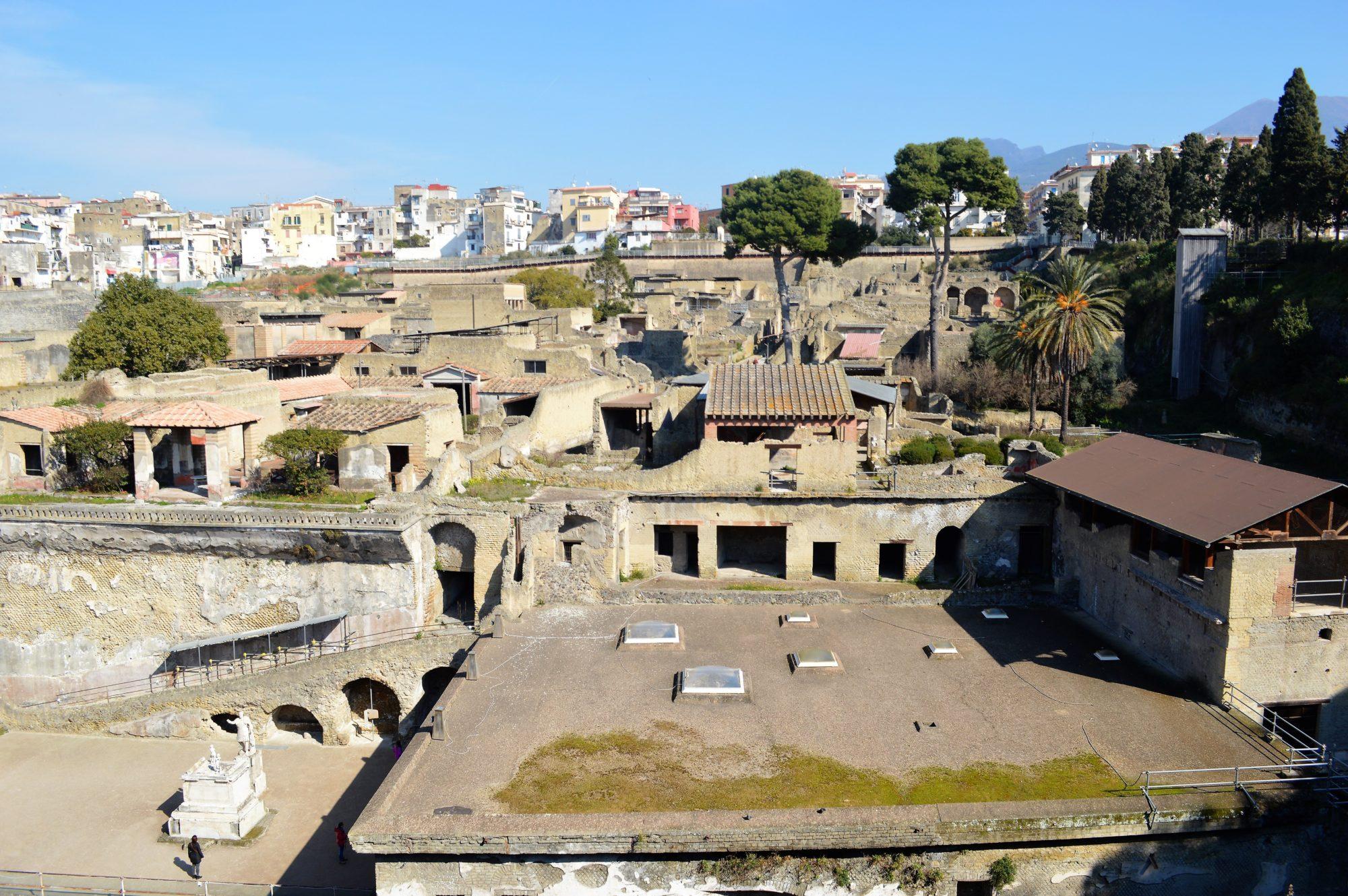 herculaneum-sacred-area