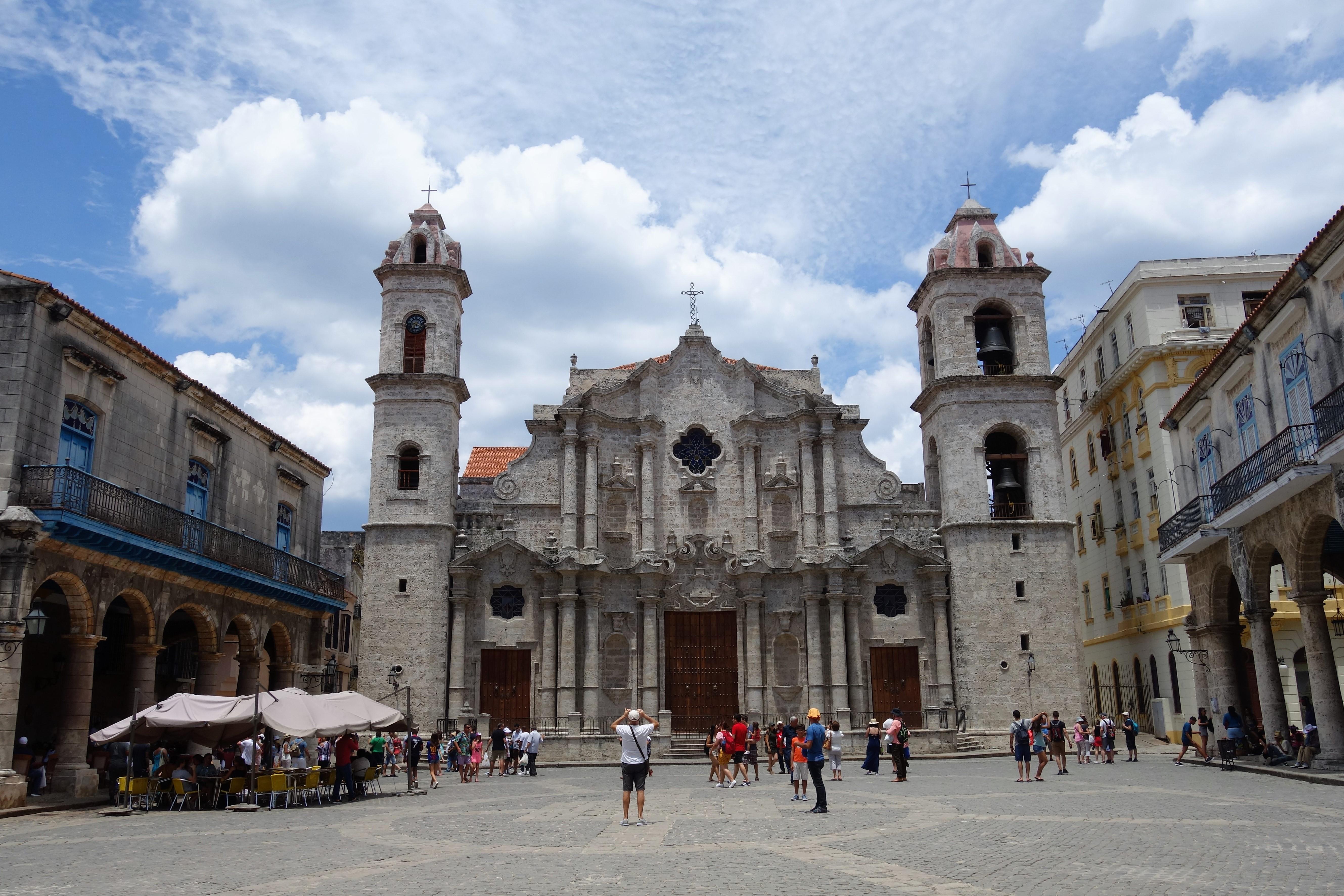 havana-plaza-de-la-catedral
