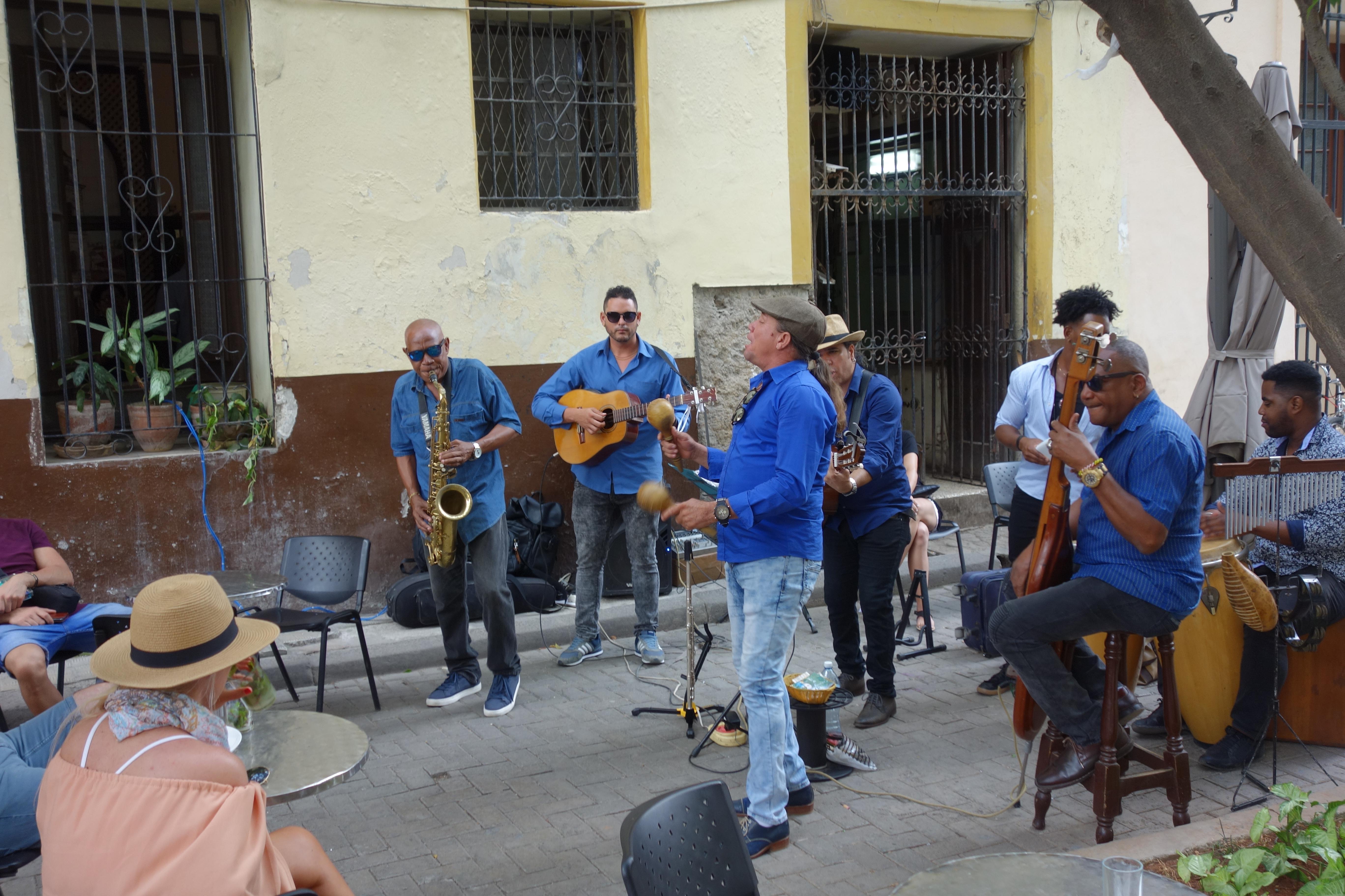 music-havana-cafe-de-paris