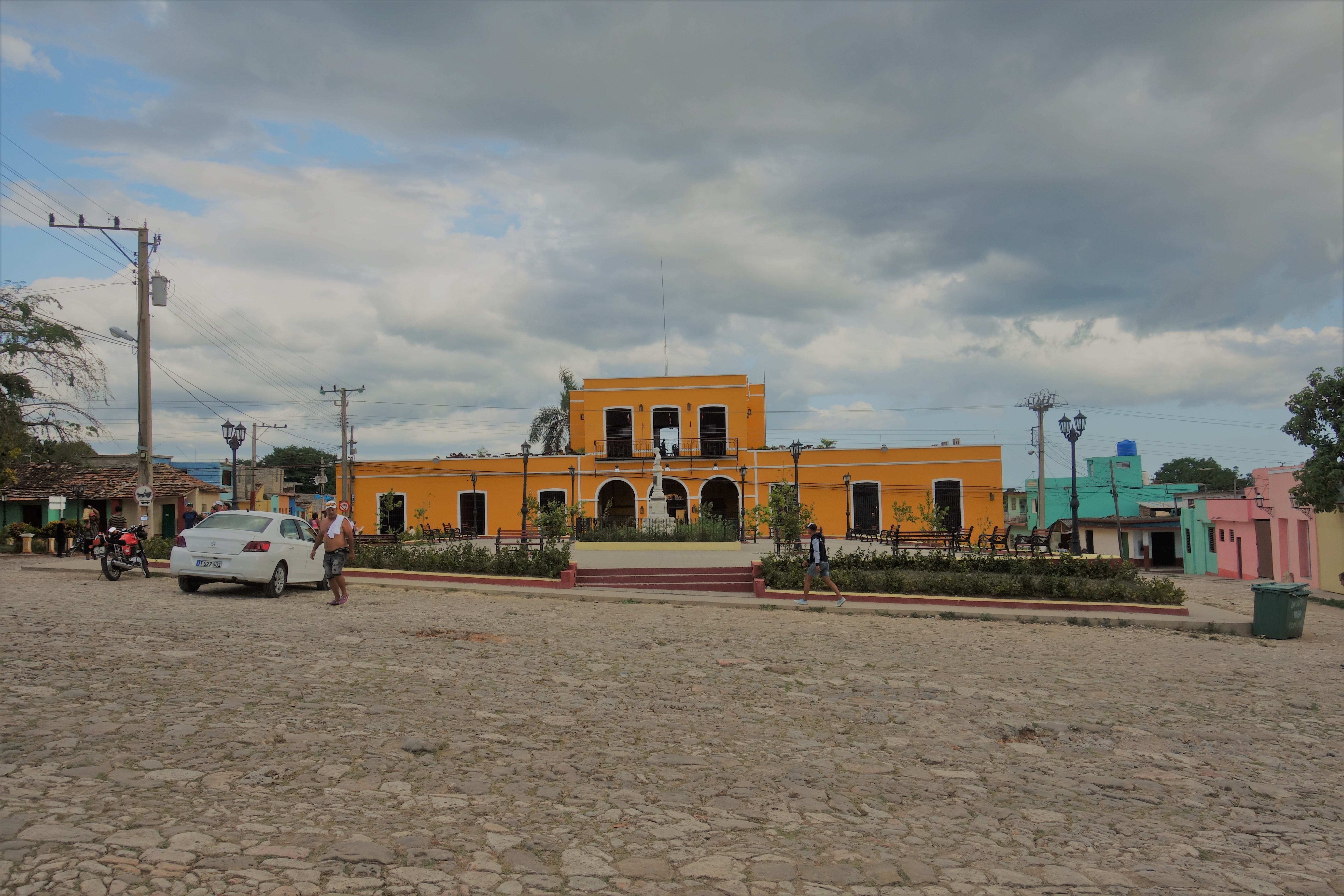 trinidad-plaza-santa-anna