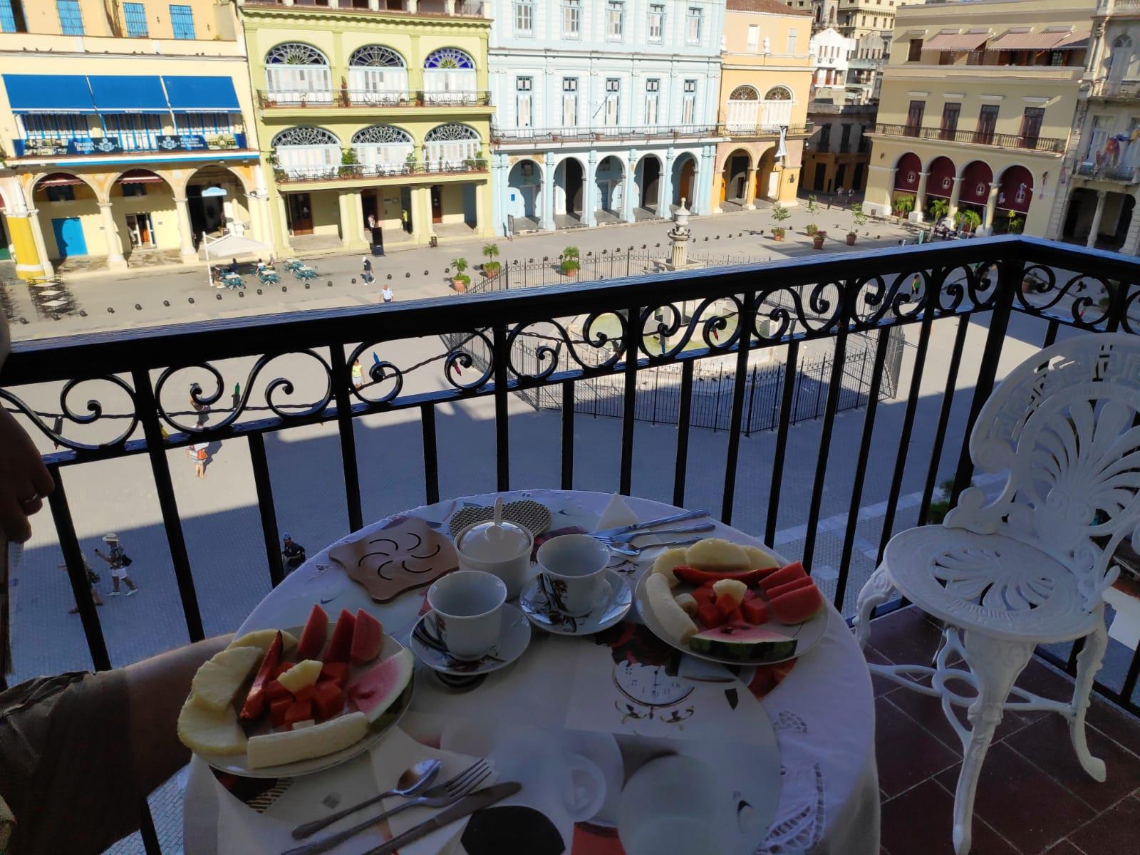 plaza-vieja-view-breakfast