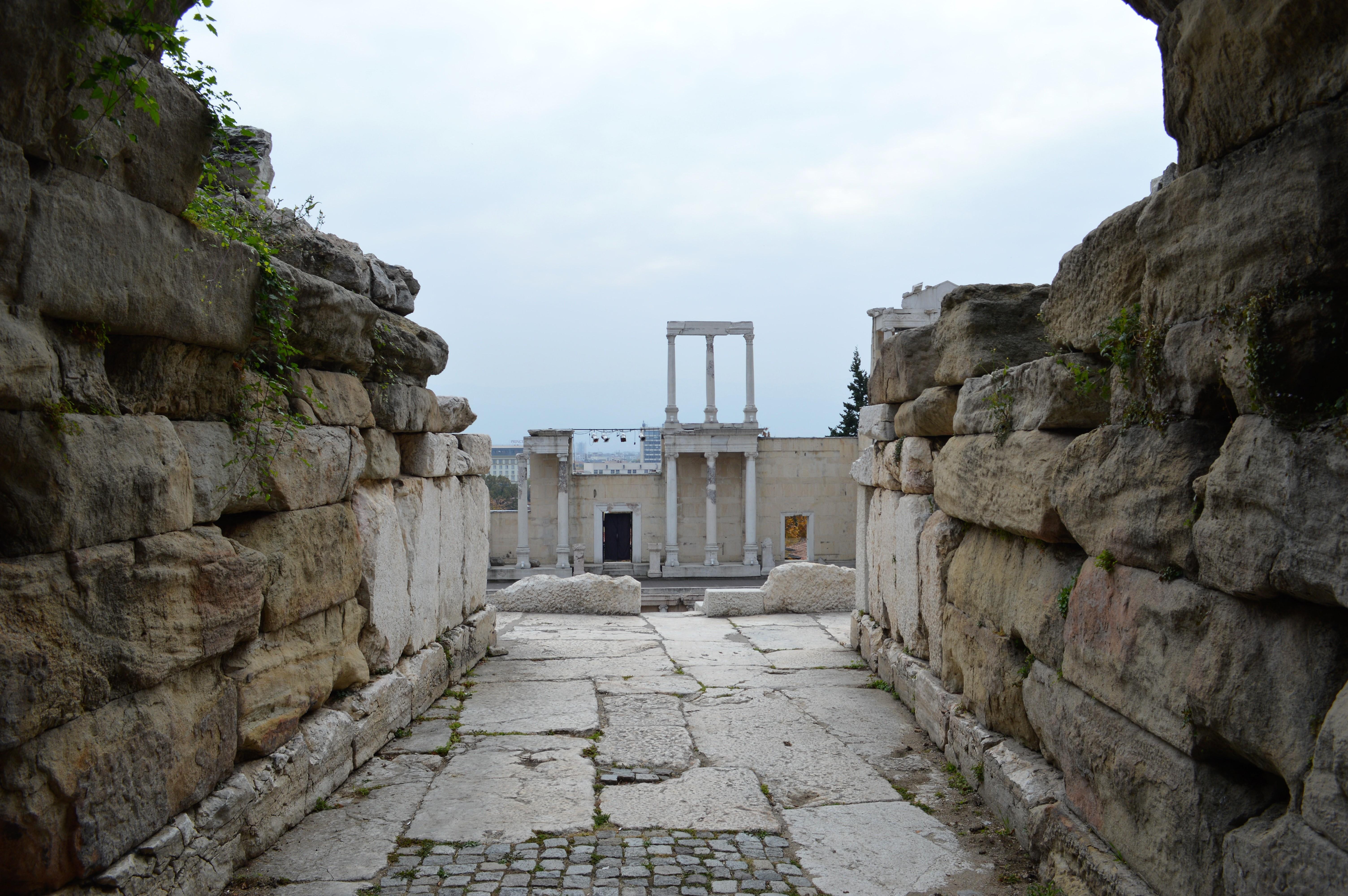 plovdiv-amphitheater-2