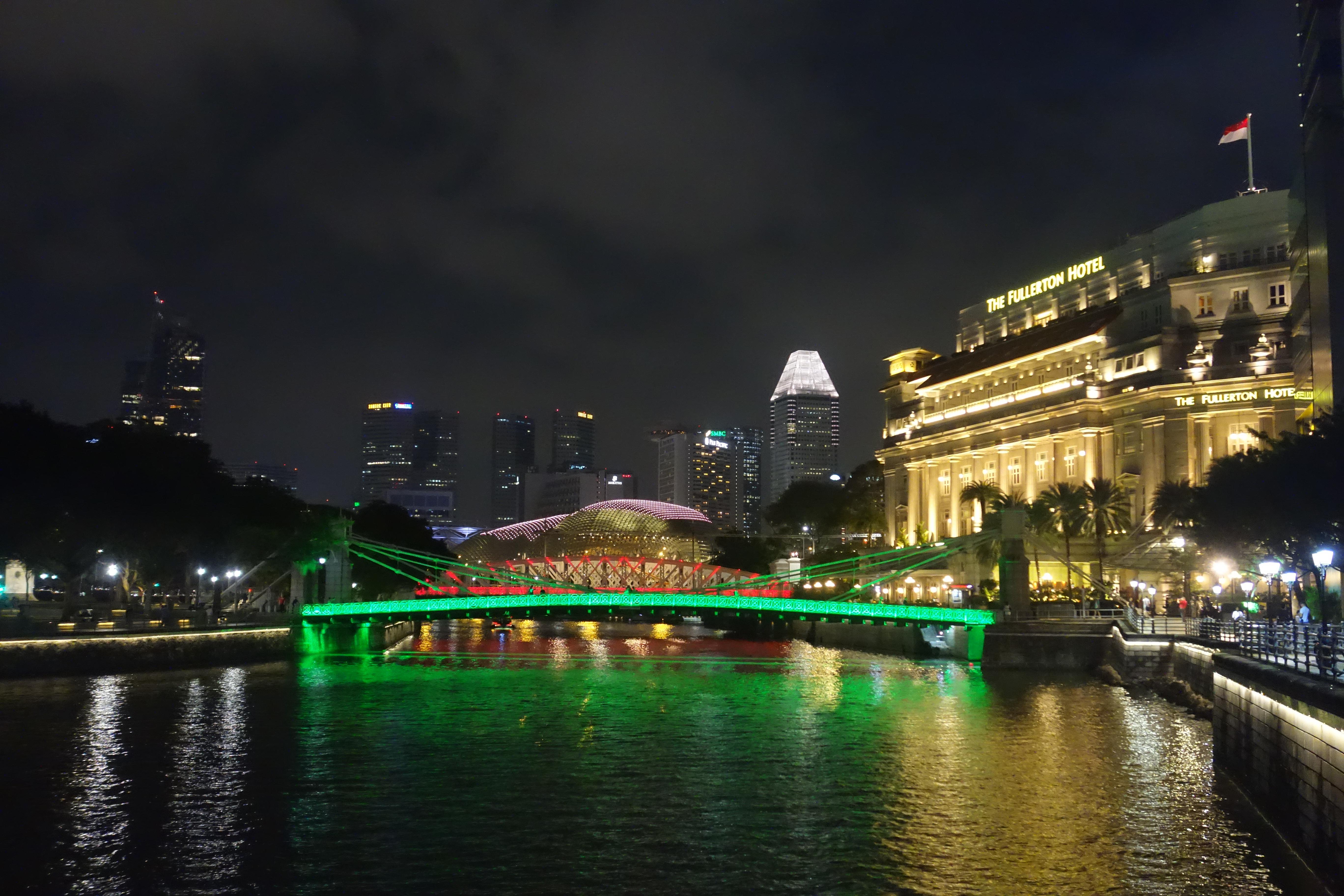 cavenagh-bridge-singapore1